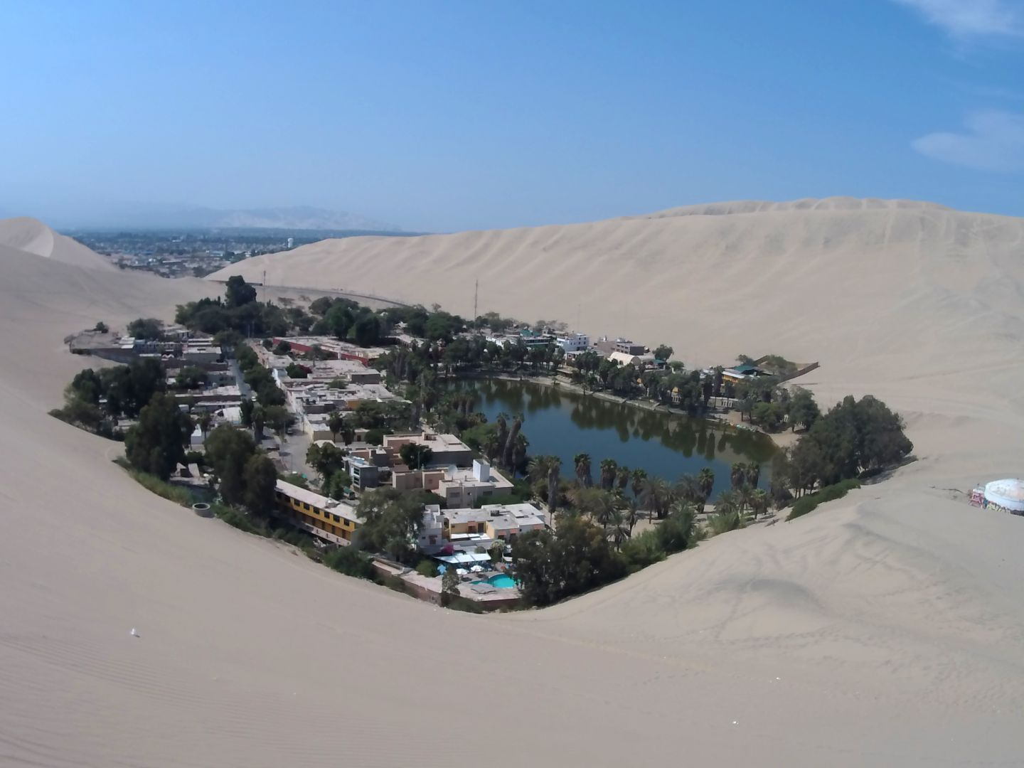 Die Oase Huacachina bei Ica
