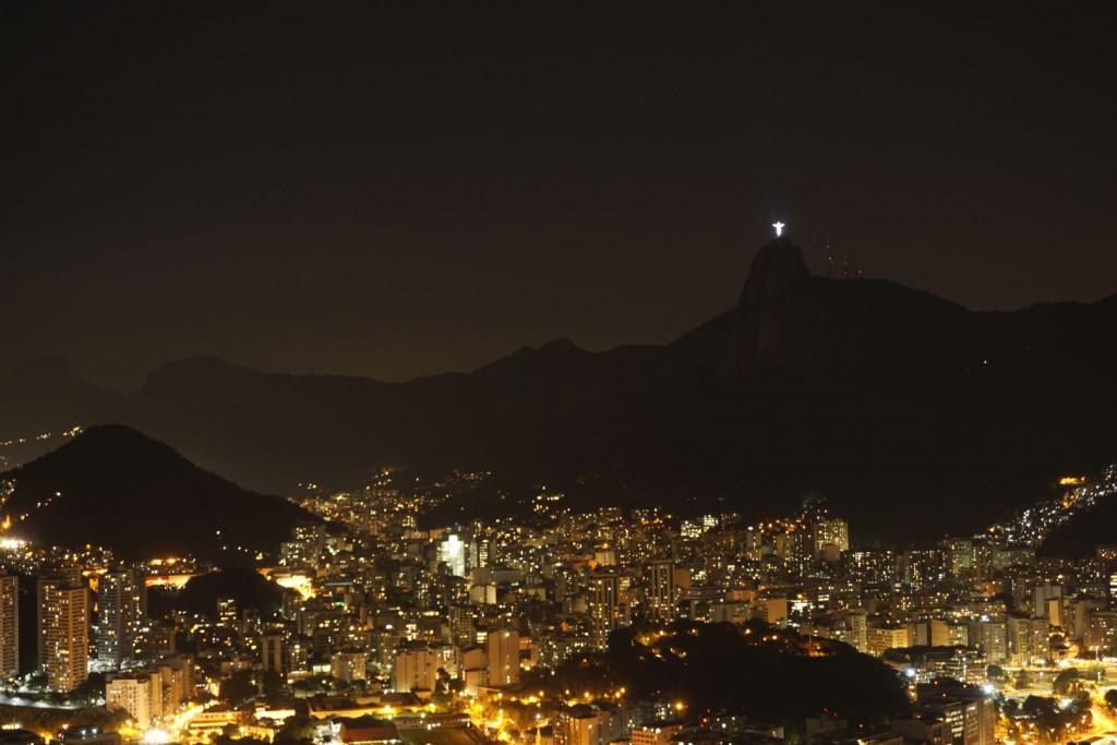 Blick vom Zuckerhut bei Nacht