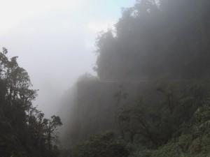 Death Road im Nebel
