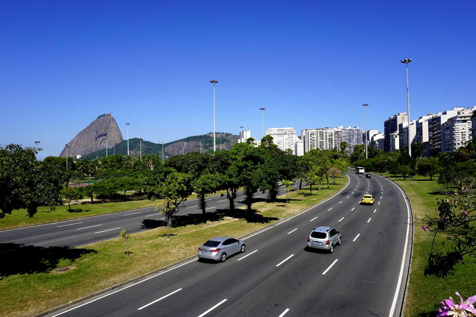 Hauptstraße am Flamengo Park
