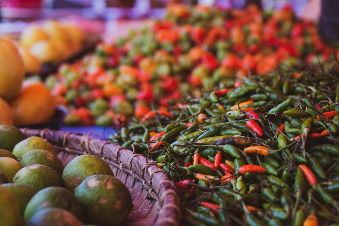 Chillis auf dem Markt von Saint Denis